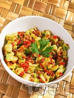 Специална салата от авокадо и подправки - снимка на рецептата